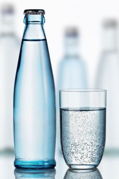 Flasche Mineralwasser